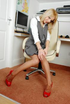 Office Girl Zoe Fucks Her Heels