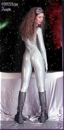 0580-Danielle-Sci Fi Hero