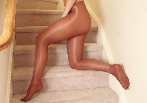 0887-Naomi-Retro LegTexture
