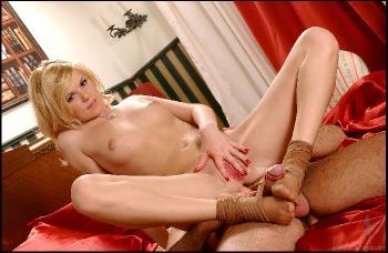 HLF - 2004-11-25 - Yasmine Gold - 7344h