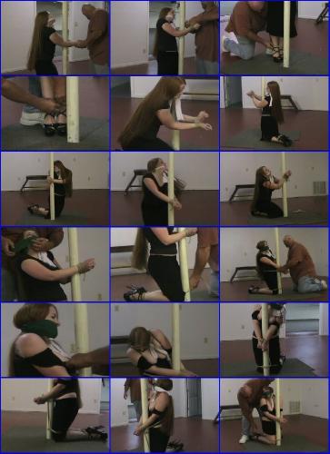 Heather kneeling 11 W