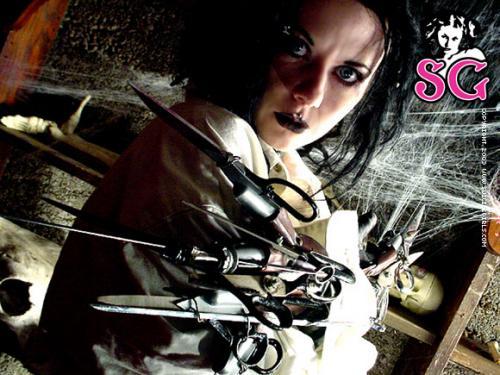 03-03 - Nixon - Scissorhands