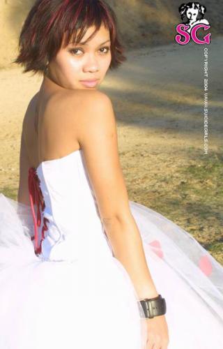 05-20 - Rae - Wedding Dress
