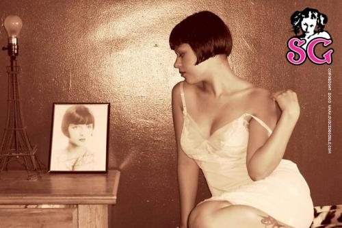 02-20 - Geraldine - Flapper