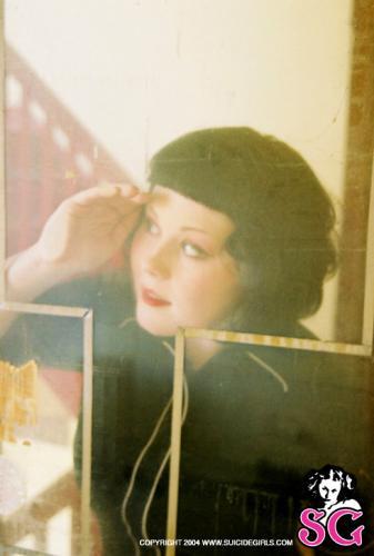 08-03 - Mistidawn - Lipstick
