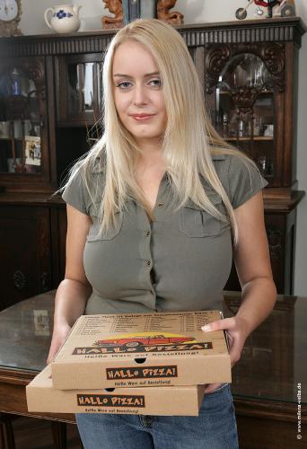 Pizza Girl (2006 aug)