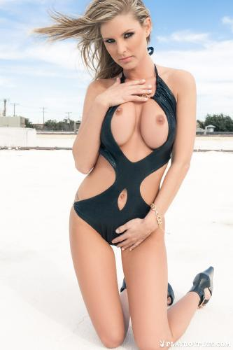18-SED-mashup-monday-big-boob-bombshells-2