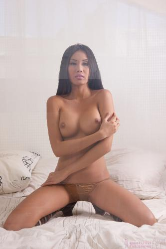 01 - Danika F - Nude on bed (80) 4000px