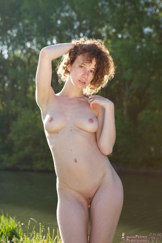 08 - Elise - By the River (61) 4000px