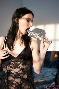 02 - Pauline Cooper - Glass Dildo (72) 4000px