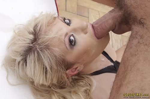 Anita Hengher 8