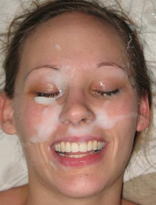 Amateur girlfriend gets her nice face covered wit fresh sperm