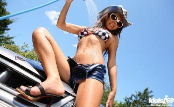 Yoko Yoshikawa - Yoko Yoshikawa Hot Model Is Washing Her Car Outside