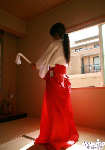 Seiko Yamaguchi - Seiko Yamaguchi Naughty Asian babe SHows Off Her Best Assets
