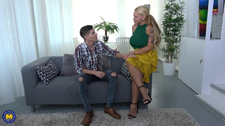 [Mature.nl / Mature.eu] Alexa Blun EU (49) - Big breasted temptress calling a younger Gigolo to have a good time [2018-10-11, Mature, Big tits, Hardcore, Blonde,, 1080p]